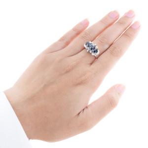 Anel em Ouro Branco 14k, Safiras e Diamantes.