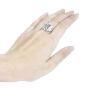 Anel em Ouro Branco, Esmeraldas em Gota e Diamantes.
