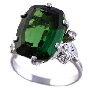 Anel em Ouro Branco, Turmalina Verde e Diamantes.