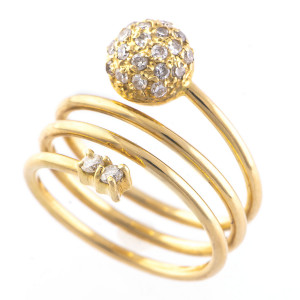 Anel em Ouro Amarelo com Diamantes