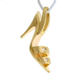 Pingente Natan Sapato em Ouro Amarelo com Brilhantes.