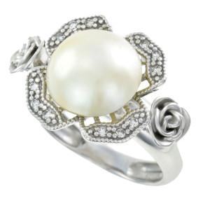 Anel em Ouro Branco com Pérola Mabe e Diamantes